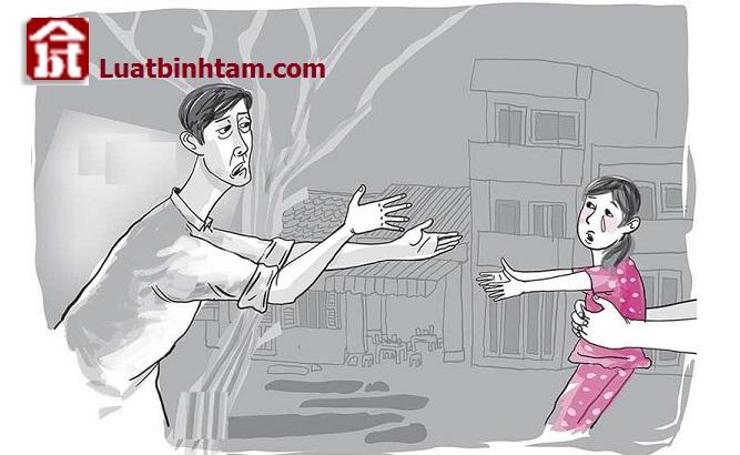 Quyền nuôi con khi ly hôn do Tòa án quyết định để đảm bảo quyền lợi mọi mặt của con